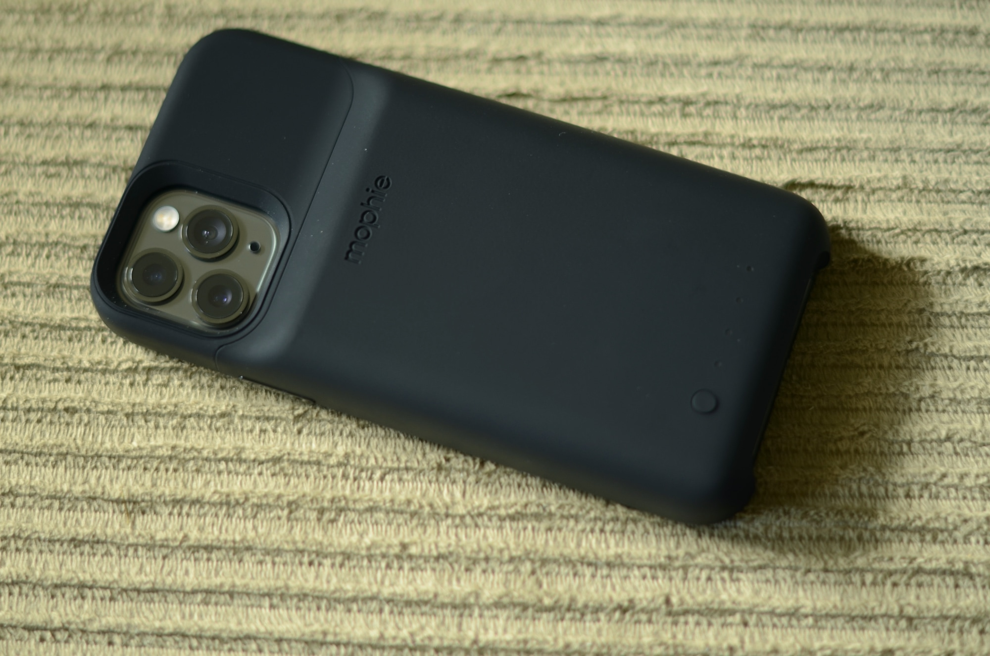 Mophie Juice Pack iPhone 11 Pro case