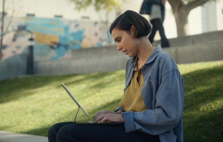 Belə Magic Keyboard kimi iOS proqram təminatı və hardware klaviaturası arasında necə keçmək olar,…