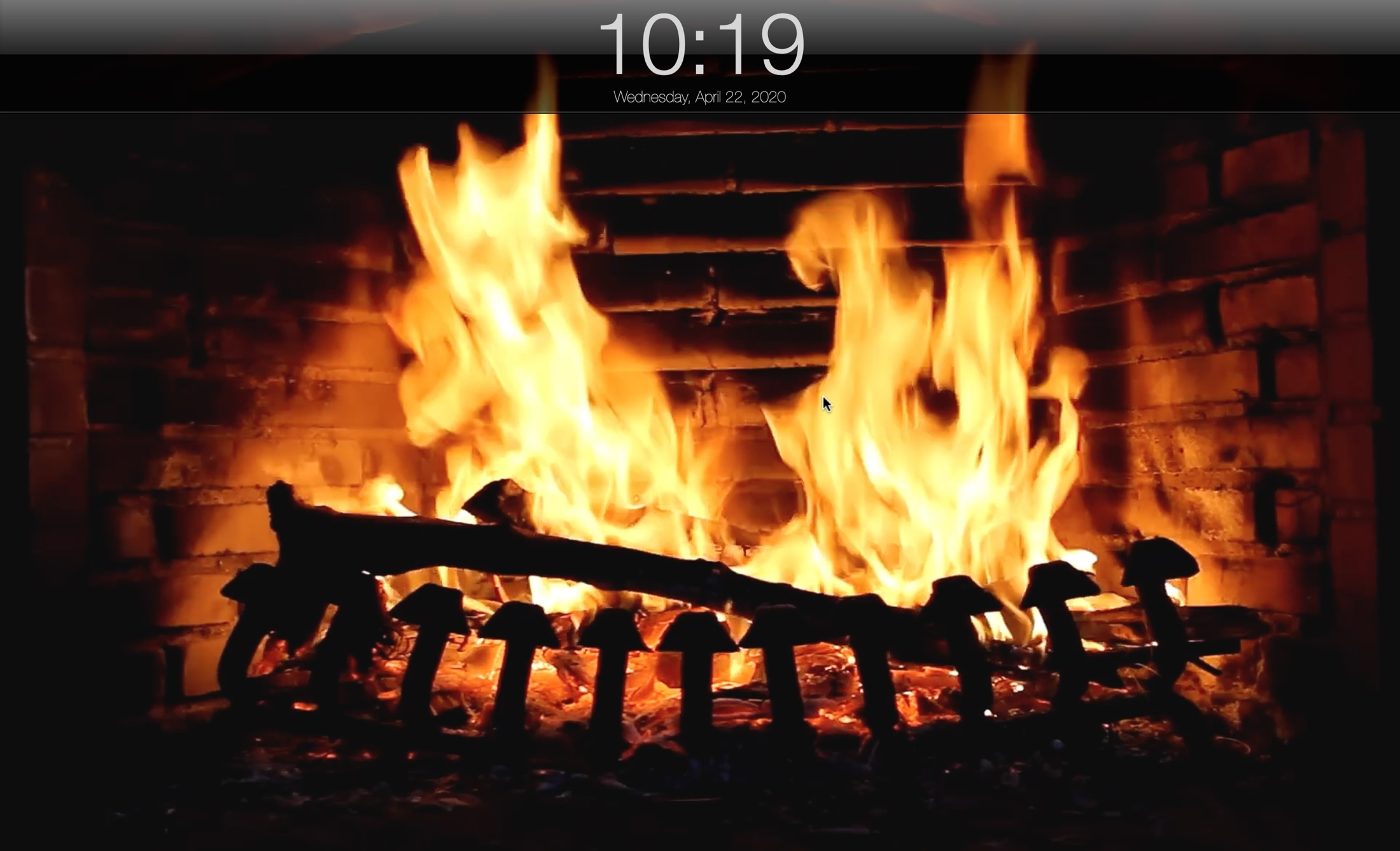 Fireplace Live HD Screensaver Mac