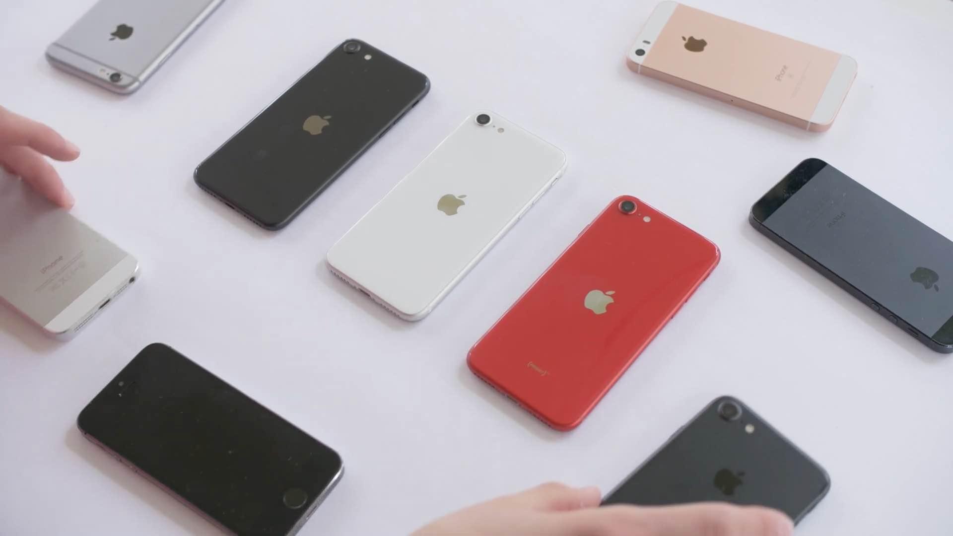 iPhone SE unboxing