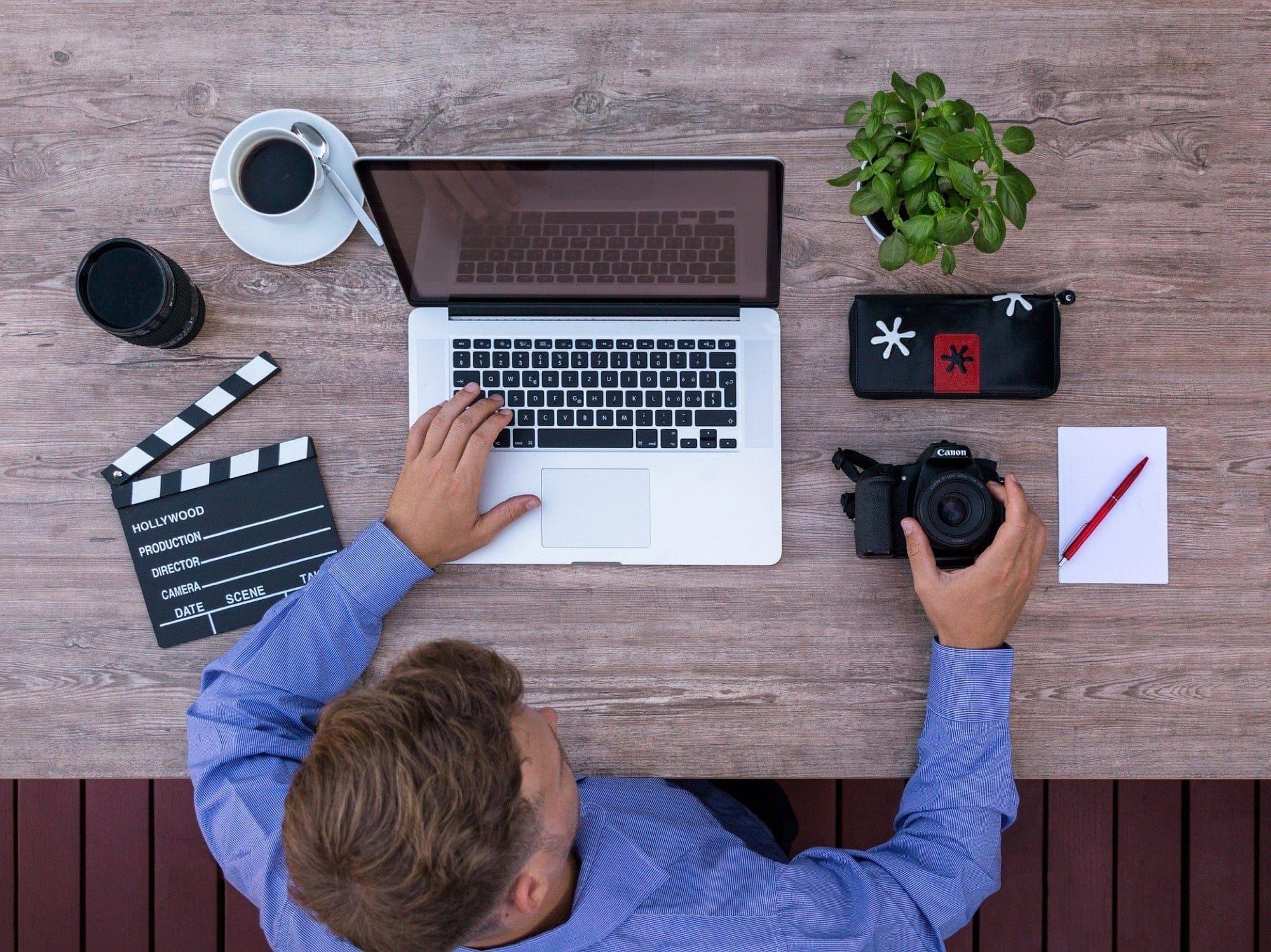 MacBook keyboard movie media- QuickTime Player keyboard shortcuts