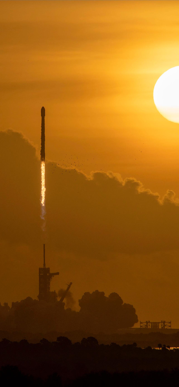 SpaceX iPhone Wallpaper iDownloadBlog Starlink Mission 1