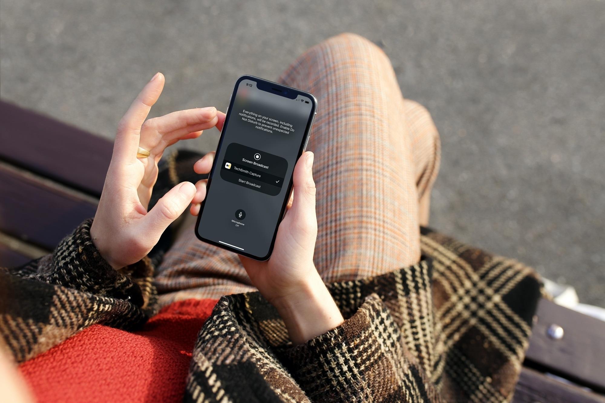 iPhone TechSmith Capture Start Broadcast