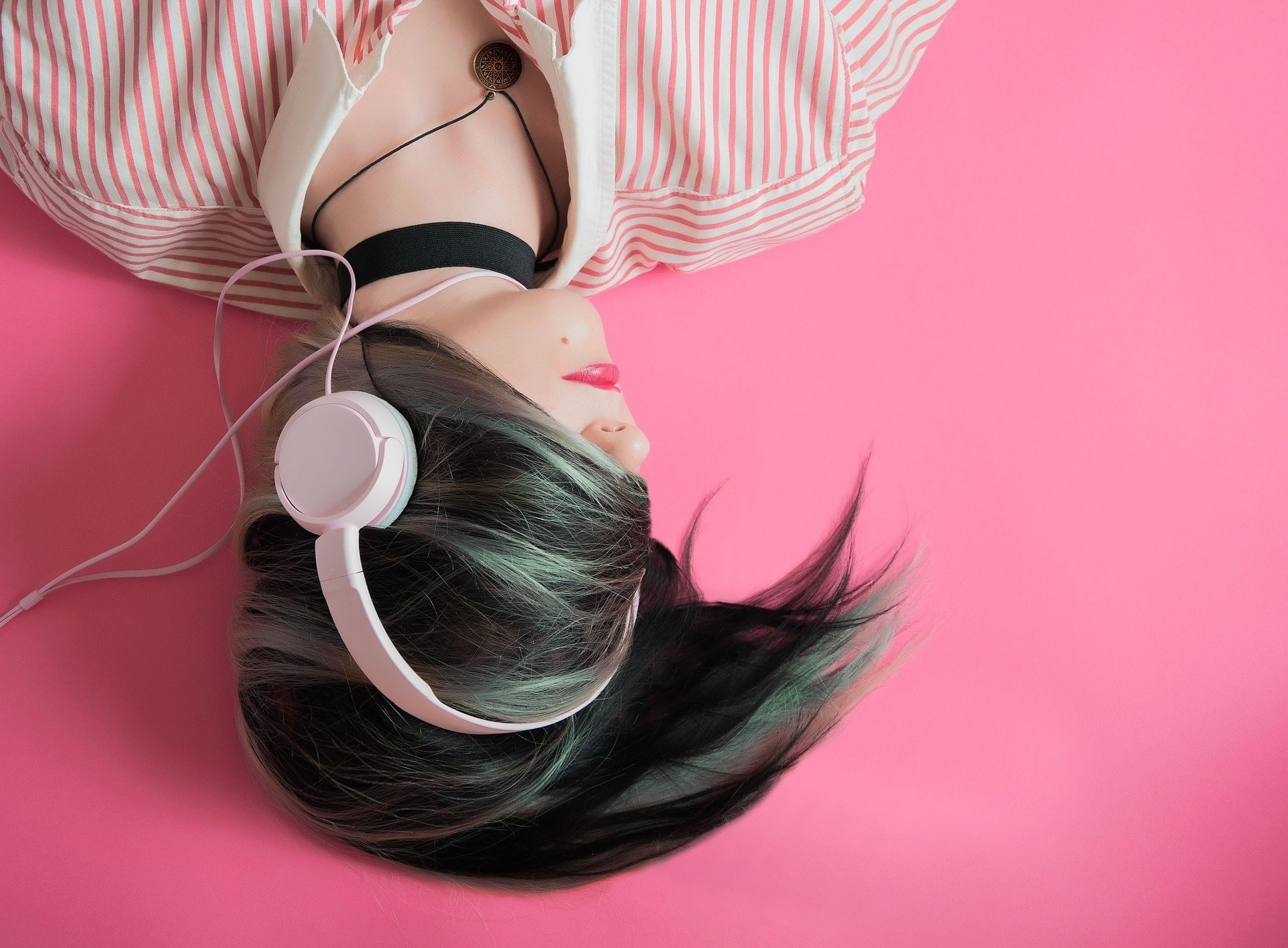 Girl Listening to Music-Pixabay