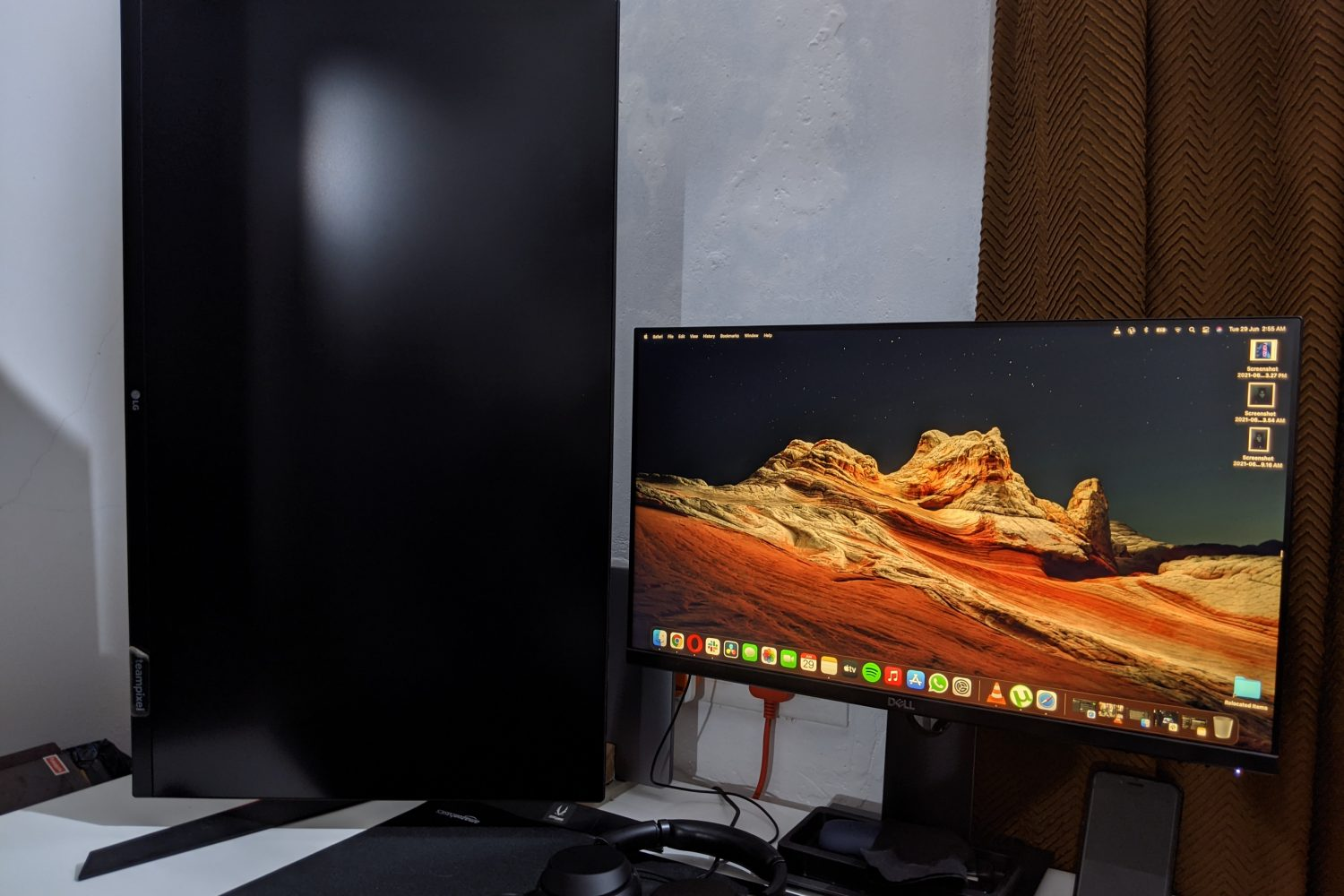 Rotate monitor in macOS