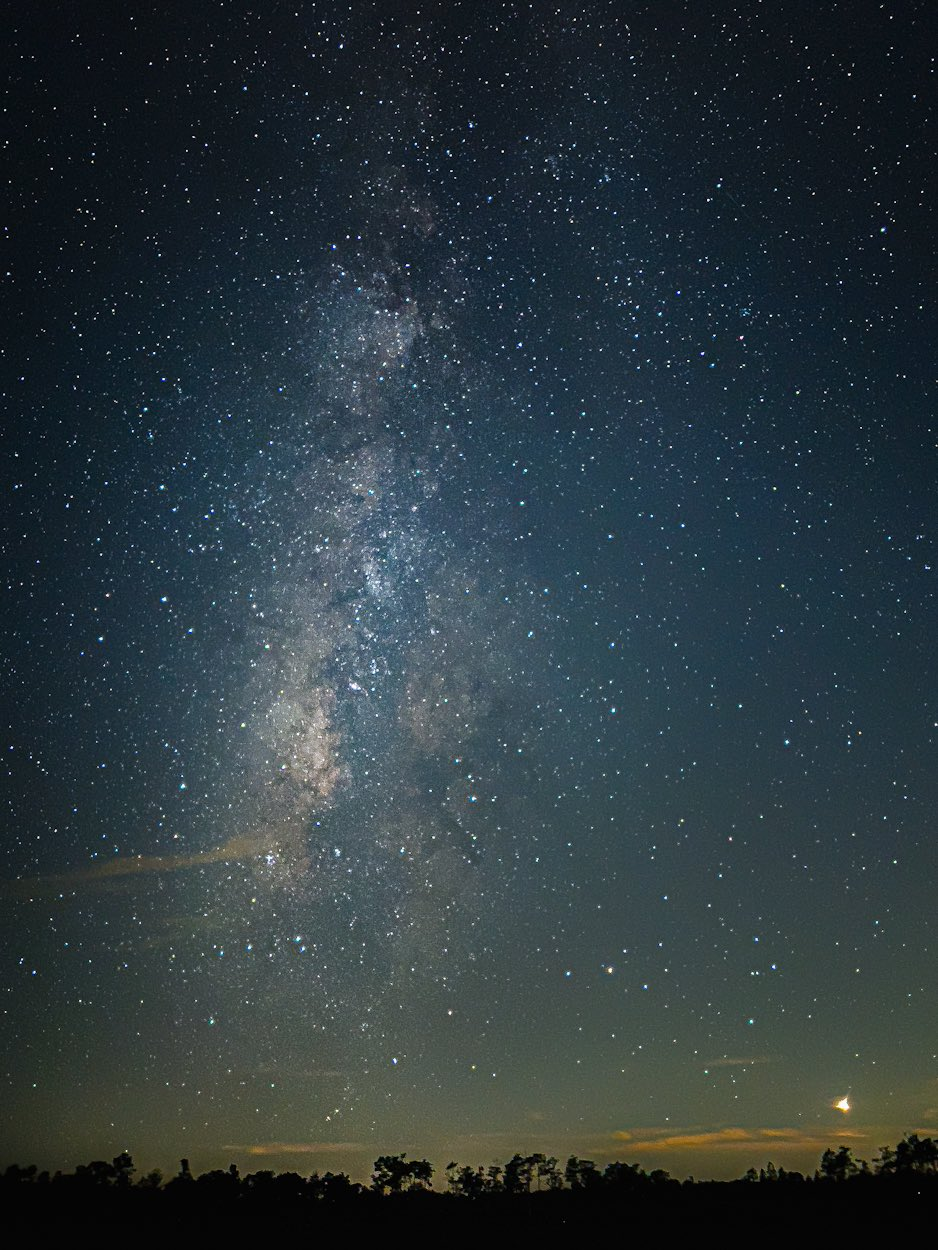 An image showing a 30-second exposure of the Milky Way taken with the iPhone 13 Pro Max camera in Apple's ProRaw format and edited in Adobe Lightroom